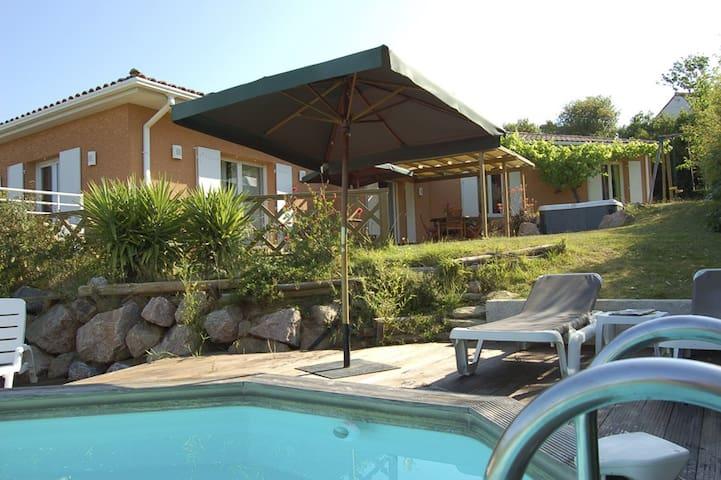 Vakantiehuis prive zwembad en jacuzzi Autignac - Autignac - Dům