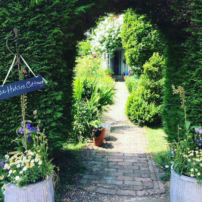 The entrance to the lovely Hidden Cottage.