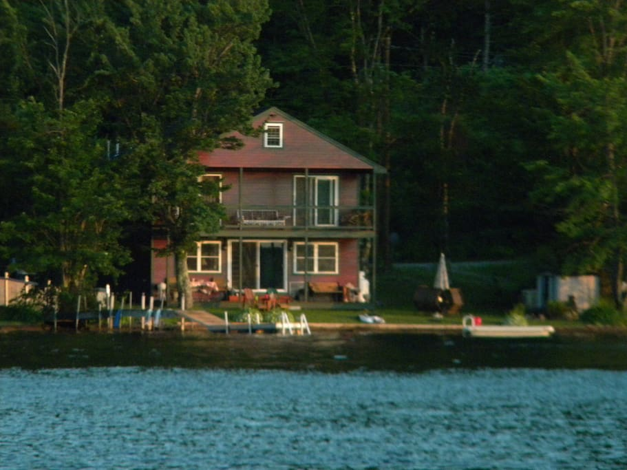 Picture Perfect House The Perfect Lakefront Home
