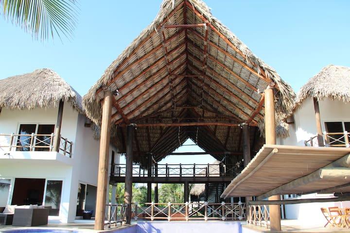 CHELA PARK BEACH HOUSE MONTERRICO