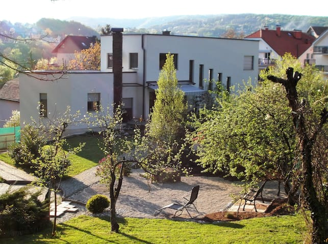 GREEN DREAM eco & child friendly home with heart - Zagreb - Hus
