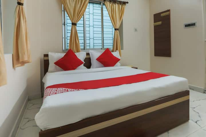 OYO SMART Furnished Room in Kolkata