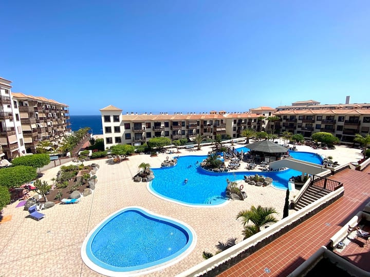 Apartment with Amazing Pool in Balcon del Mar