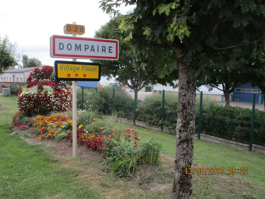 entrée village