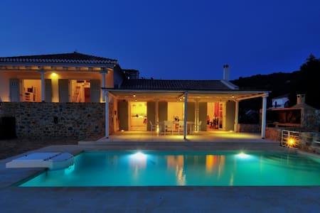 Danae's Villa Gythio - Lakonia