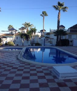 Beautiful Golf Course Villa - Alicante