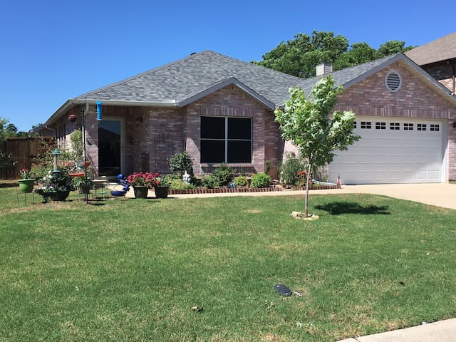 Quiet/Comfortable Private Bed/Bath in Corinth, TX