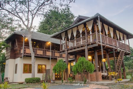 Thai Boutique Rice Barn Garden Home - San Kamphaeng - Ev