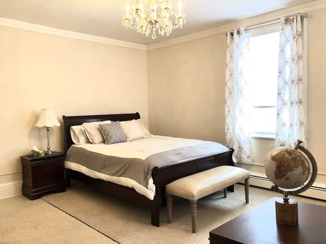 Chic Bedroom (Woodbury Commons, Monroe, Harriman)