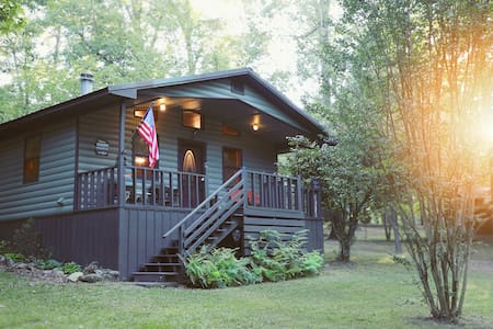 Journey 2 Bedroom Studio Cabin Mountain Fork River