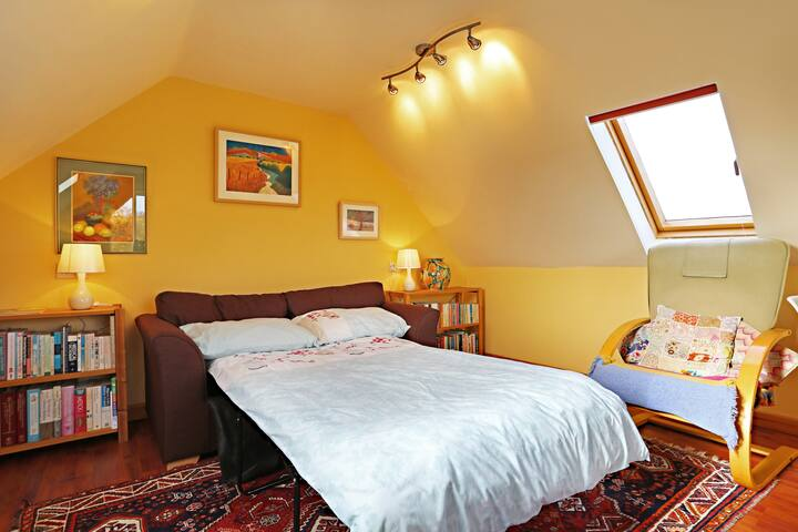 Fig Tree Barn- a peaceful, comfortable & fun stay. - Bristol - Hus