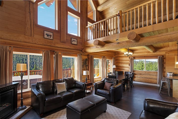 The Timber Wolf Lodge - Stunning, quiet location