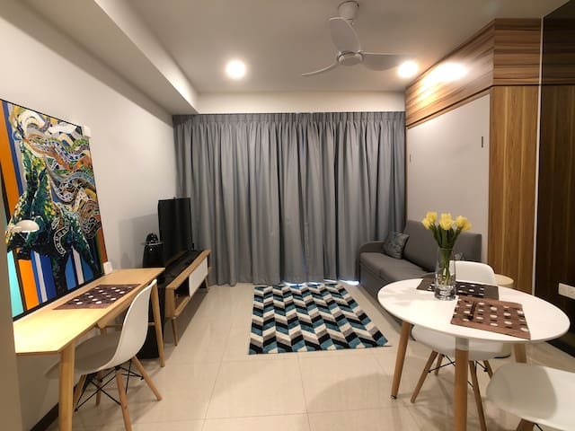 Gorgeous New City Fringe Studio @ PotongPasir Mrt!
