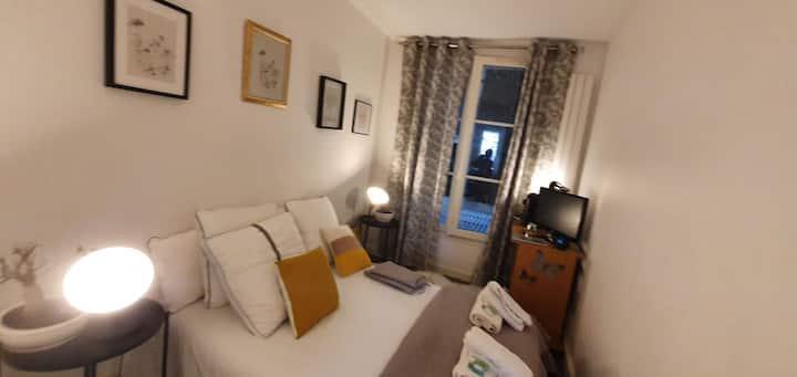 Montparnasse jolie chambre , 2 mins metro