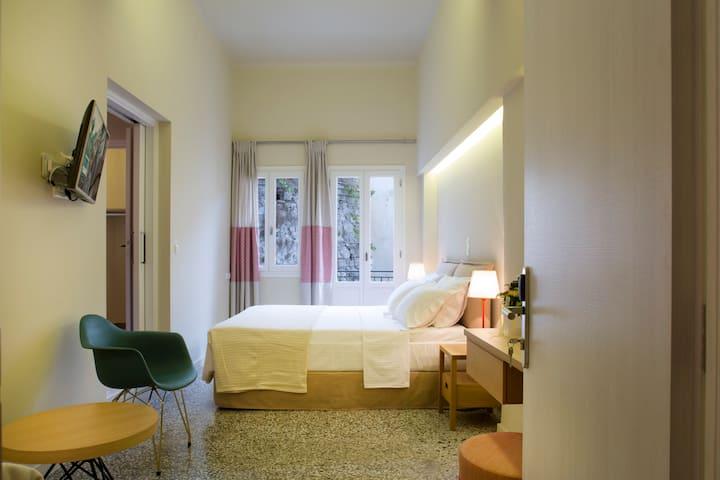 Athena Hotel - Deluxe Double Room