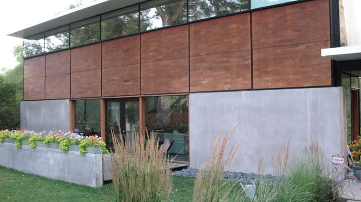 FLATPAK House/Dwell Cover home
