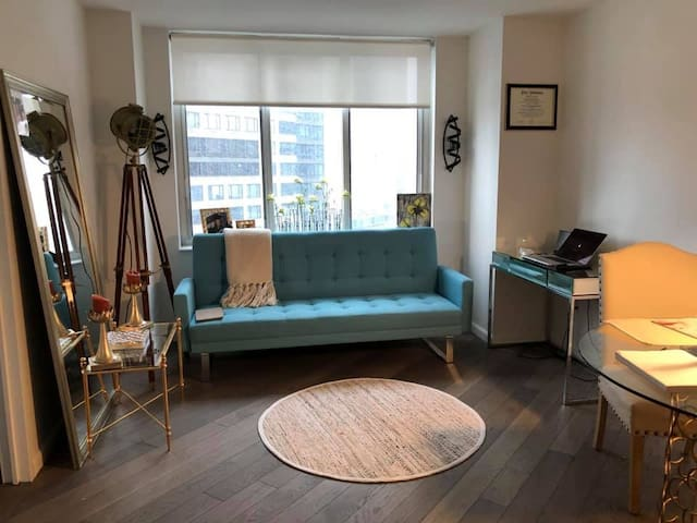 Gorgeous Times Square 1 Bed Designer Apartment