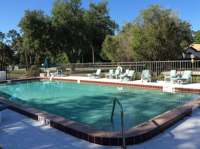 Quiet Renovated Condo by Embry Riddle & Hospitals
