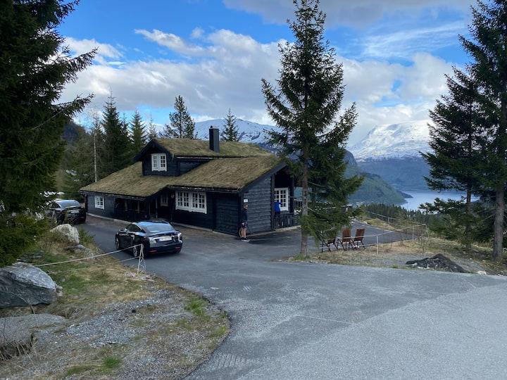 Stryn, Modern cabin in mountain near Stryn center