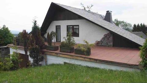 Naturnahes, gemütliches Wohnen mit Blick ins Tal