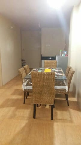 Cozy 2bhk with Parking & Breakfast - Panchgani - Appartement