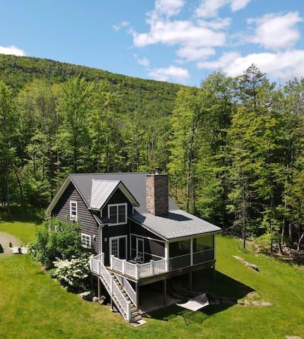 Woodstock NY Getaway - Coldbrook House