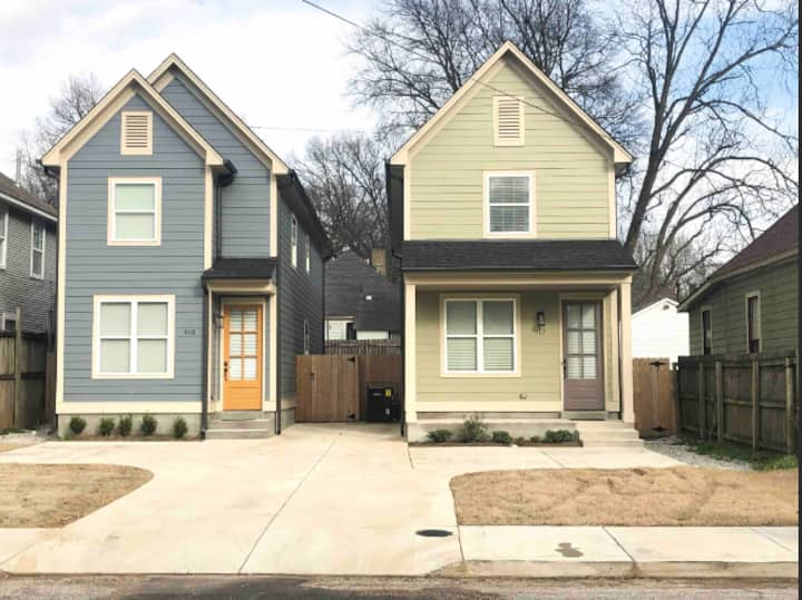 2 NEW HOMES - COOPER YOUNG - 8BD/4BTH - SLEEPS 18