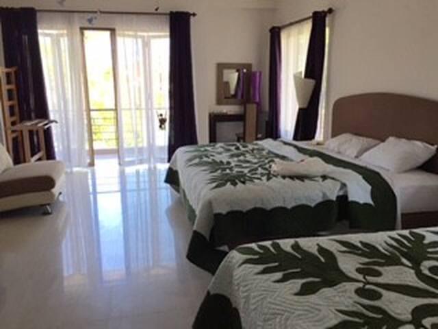 サヌ-ルで数少ないオンザビーチのホテル内のコテージです - Sanur - Maison