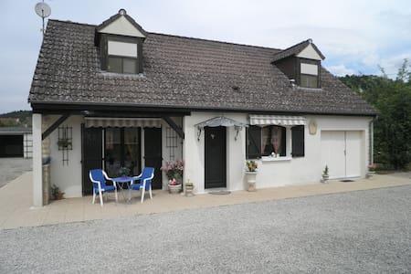 Maison avec jardin  Gîte LA POULETTE - Ancy-le-libre - Hus