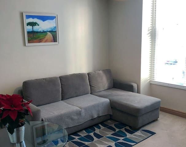 Modern and comfortable flat in Aberdeen centre