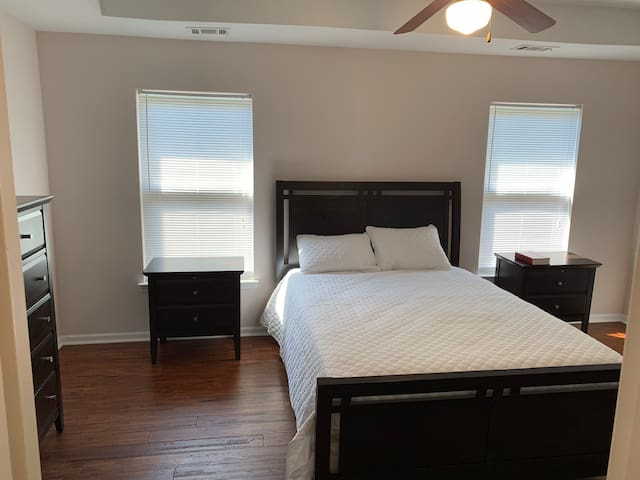 ATL Intown Townhome (by airport, GSU, downtown)