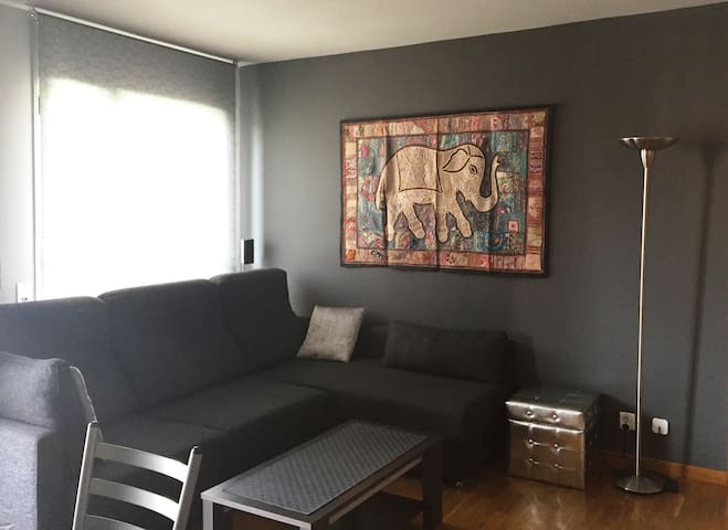 Modern apartment with pool 20 mins from Barcelona - Sant Cugat del Vallès - Daire