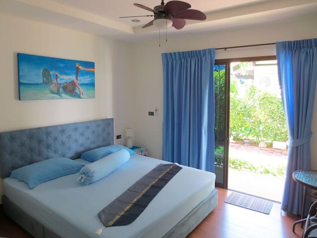 Apartment W, 50 m to the beach