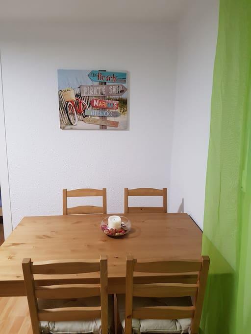 Dinning table / Mesa comedor