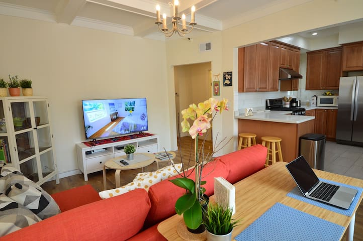 4316C - Comfy Room, Two Twin Beds, Prime Location