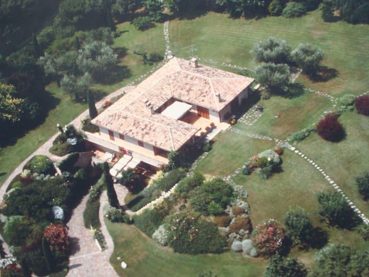Villa Augusta.. A garden on the sea