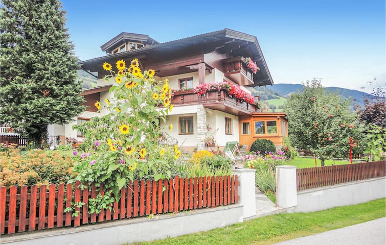 Holiday apartment with 3 bedrooms on 70m² in Piesendorf