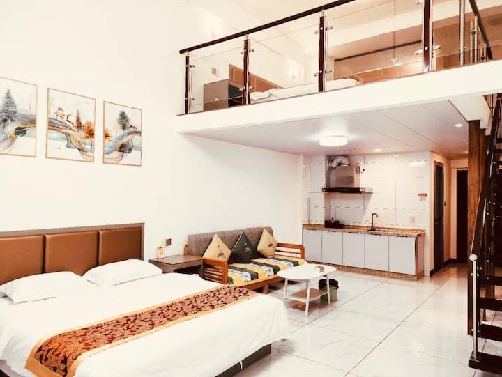 近机场市政府对面/花生唐商圈LOFT公寓/2张床2卫双空调/可做饭