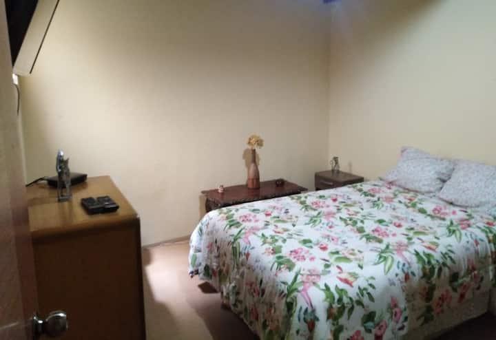 Lince habitación con entrada independiente 1