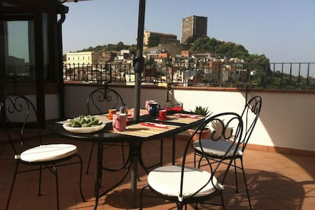 Norman castle attic in the heart of the city - Paternò - Appartement