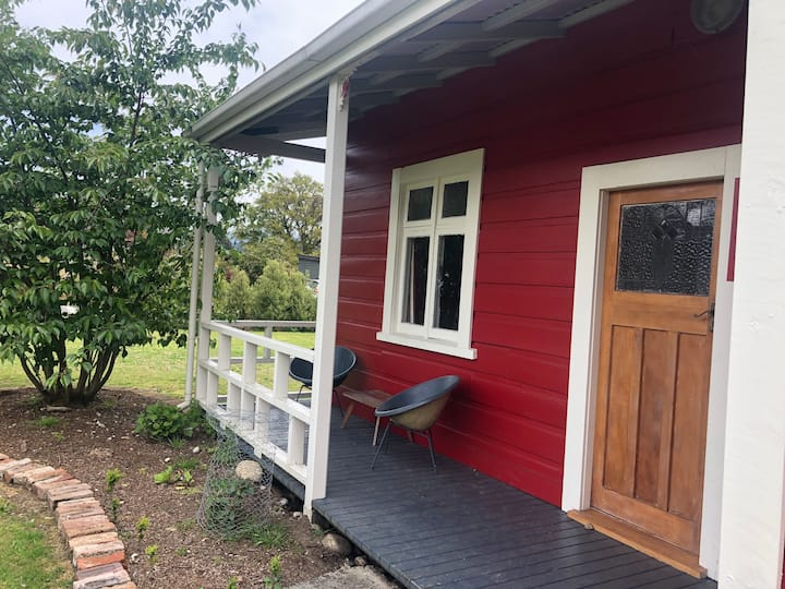 Reefton Rocks Cottage
