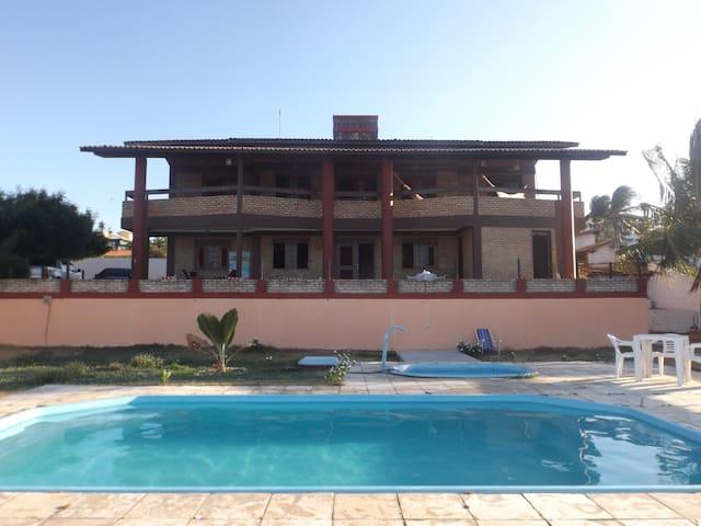 Casa na Praia de Lagoinha - de Frente para o mar