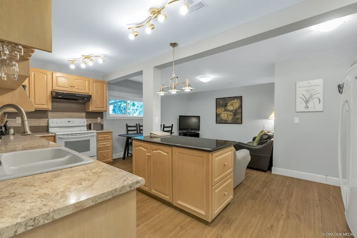 Private two-bedroom suite in North Delta