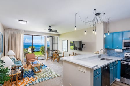 Beautifully remodeled oceanfront on turtle bay.