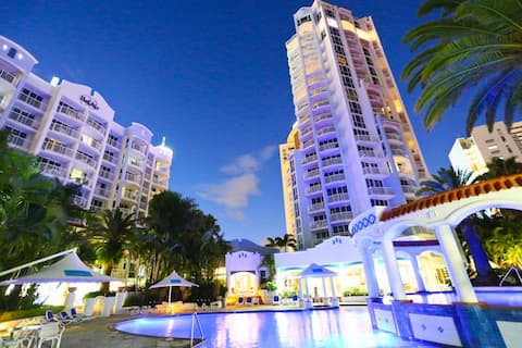Belair spacous modern ocean facing apartment