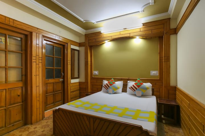OYO-1BR Stay w/ Exquisite Wood Furnishing + Naddi Lake(900 m)