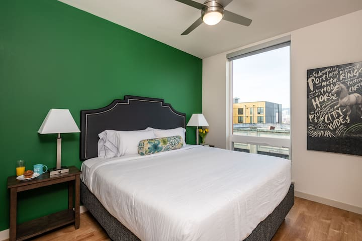 Charming Two Bed at Nexus PDX