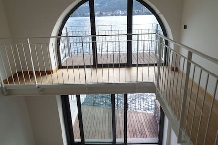 Design apartment with direct access to the lake - Omegna