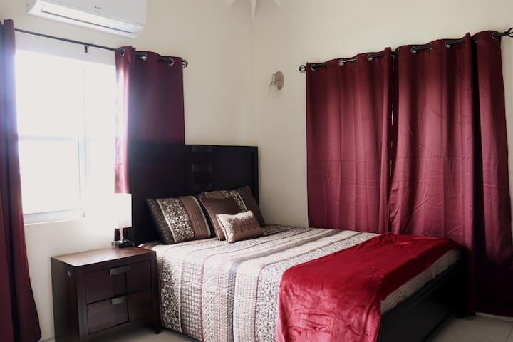 Master Bedroom quiet and relaxing