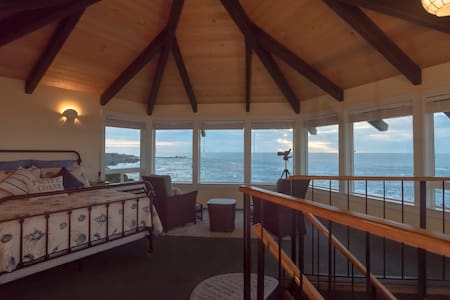 The Cliff House at Otter Point - Mendocino